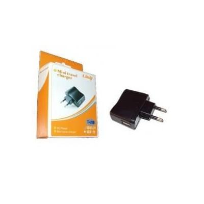 Alimentatore caricatore universale USB da rete muro per Iphone Ipod cellulari MP3 MP4
